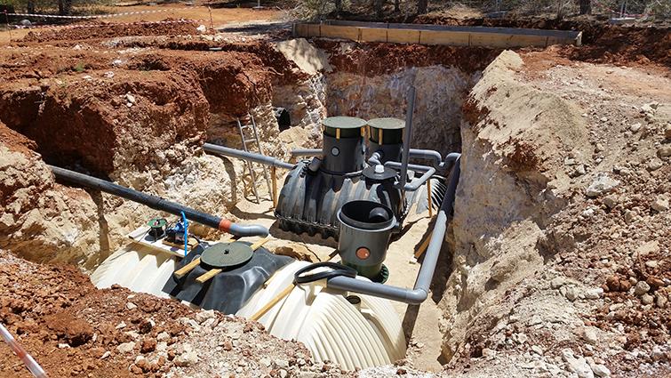 Sistema de triple tratamiento de aguas